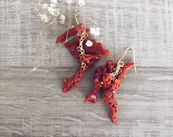 Gold-plated brass stud earrings with coral branches