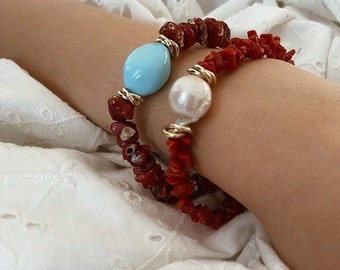 Bracelet entirely in natural coral with central pearl or turquoise
