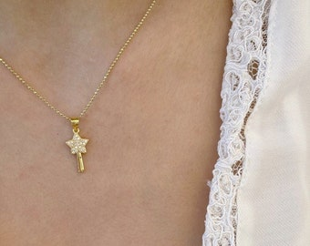 Necklace entirely in 925 yellow gold plated silver and mini magic wand pendant with zircons