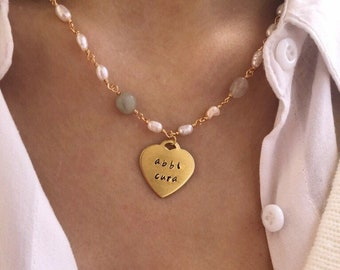 Necklace with rosary chain with freshwater pearls and stones and hand-engraved brass heart - ITALIC