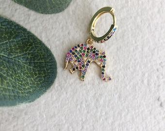 Mono mini hoop earring with zircons and multicolored elephant pendant
