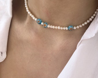 Choker necklace with natural pearls and light blue Murano stones