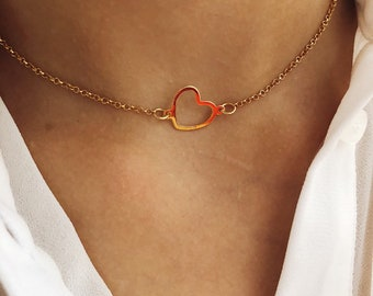 Croker necklace entirely in 925 silver with an open heart