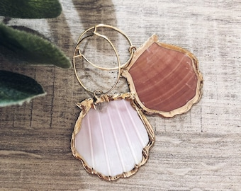 Mono brass hoop earring with natural shell pendant