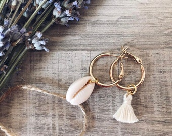 Steel circle earrings with shell and cotton tassel