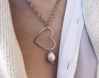 Gold-plated steel necklace with heart and natural pearl pendant