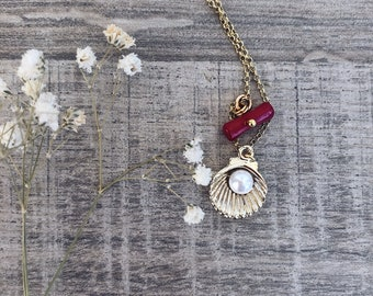 Necklace with rolò chain in gold plated 925 silver, shell with bead and coral sprig