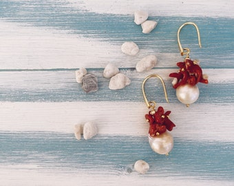 925 silver stud earrings, scaramazza pearl and cluster of coral
