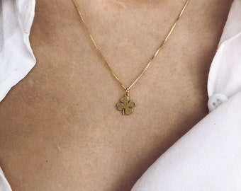 Necklace with Venetian chain in gilded 925 silver and four-leaf clover pendant