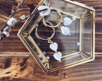 Hoop earrings in gilded steel with mother-of-pearl and river pearl