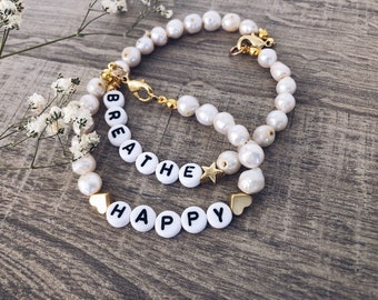 Customizable bracelet with river pearls, letters, stars or hearts