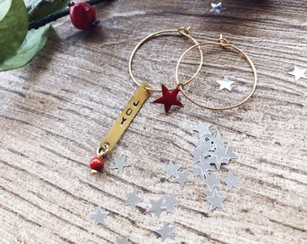 Gold-plated brass rim earrings with engraved plate, bead and enamel star or heart