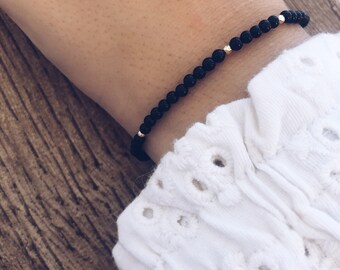 Bracelets with onyx stones and hematite beads