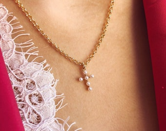 Necklace with golden brass chain and mini cross pendant with pearls