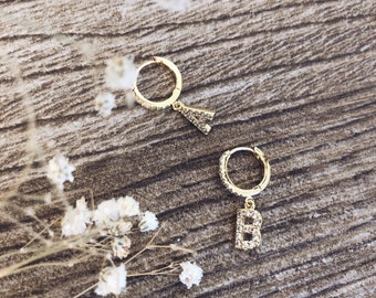 Mini hoop mono earring with cubic zirconia and initial pendant