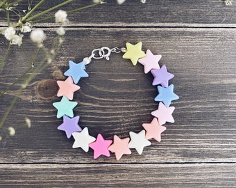 Bracelets with stars in colored resin