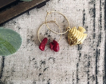 Brass hoop earrings with chips stones