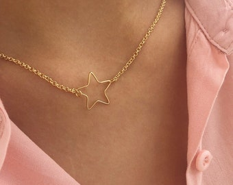Necklaces with brass chain with brass bath gold star pendant