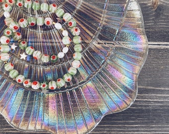 Necklace with river pearls and green Murano beads