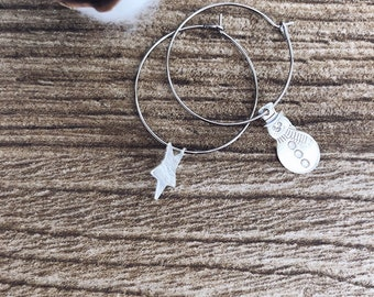 Winter Wonderland - Silvered brass hoop earrings with snowman and star in 925 silver