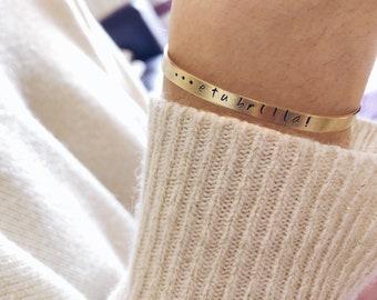 Rigid bracelet in hand-engraved golden brass