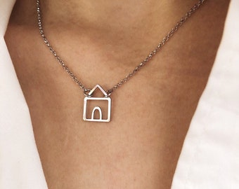 Limited Edition - Necklace entirely in sterling silver 925 with a cottage pendant