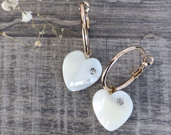 Single hoop earring in gilded steel with mother of pearl heart with zircons