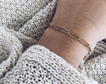 Bracelets with gilded steel chains