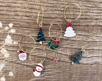 Hoop earrings in gold plated brass with Christmas pendants and red star