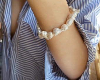 Bracelet with irregular scaramazze pearls and 925 gilded silver clasp