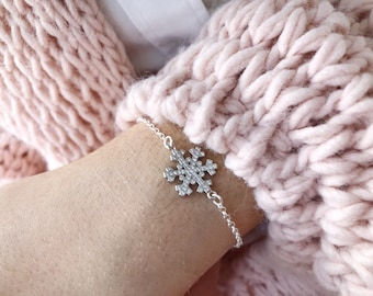 Winter Wonderland - Bracelet entirely made of 925 silver with snowflake pendant with cubic zirconia