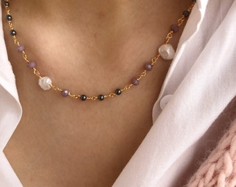Choker necklace with rosary chain with beads and freshwater pearls