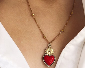 Necklace with chain with steel beads and enamelled sacred heart pendant