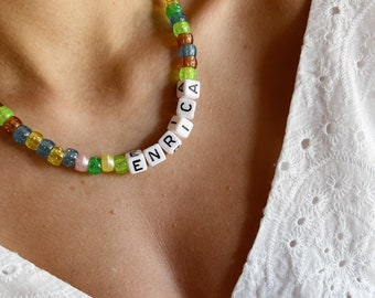 Necklace with glitter resin beads and name to compose
