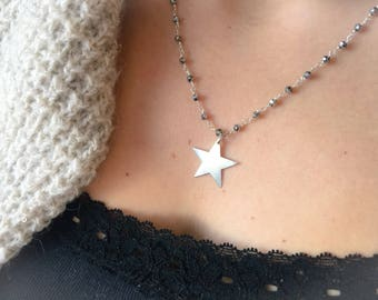 Necklaces with rosary brass chains and brass stars in various colors