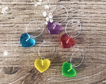 Single hoop earring in silver plated brass and colored heart