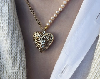 Necklace with Majorcan pearls and steel chain with opening medallion heart pendant