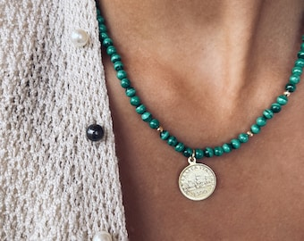 Necklace with malachite, hematite beads and coin pendant in 925 silver gilded