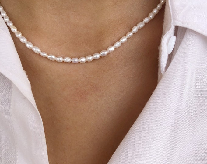 Choker necklace with freshwater pearls and 925 silver clasp