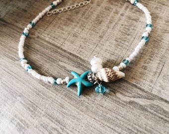 Anklet with beads and starfish pendants and resin shell