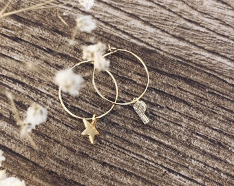 Hoop earrings in gold and silver plated brass with initials with zircons and stars