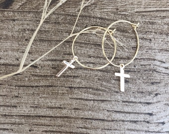 Hoop earrings in gold plated brass and mini crosses