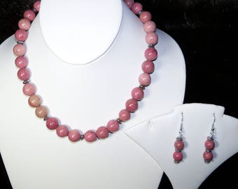 A Lovely Rhodonite Necklace and Earrings. (2017151)