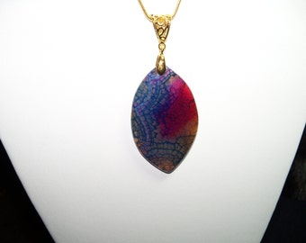 A Beautiful Blue and Rosy Red Dragon Veins Agate Pendant Necklace. (2015112)