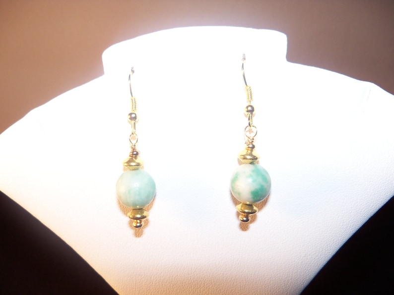 201412 A Beautiful Qinghai Jade and Black Ceramic Necklace.