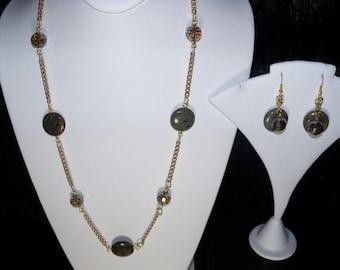 A Beautiful SnakeSkin Jasper Necklace/Bracelet/Earrings. (2016126)
