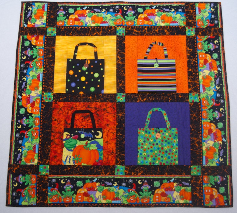 Halloween 3-D Trick or Treat Bag Quilt image 0