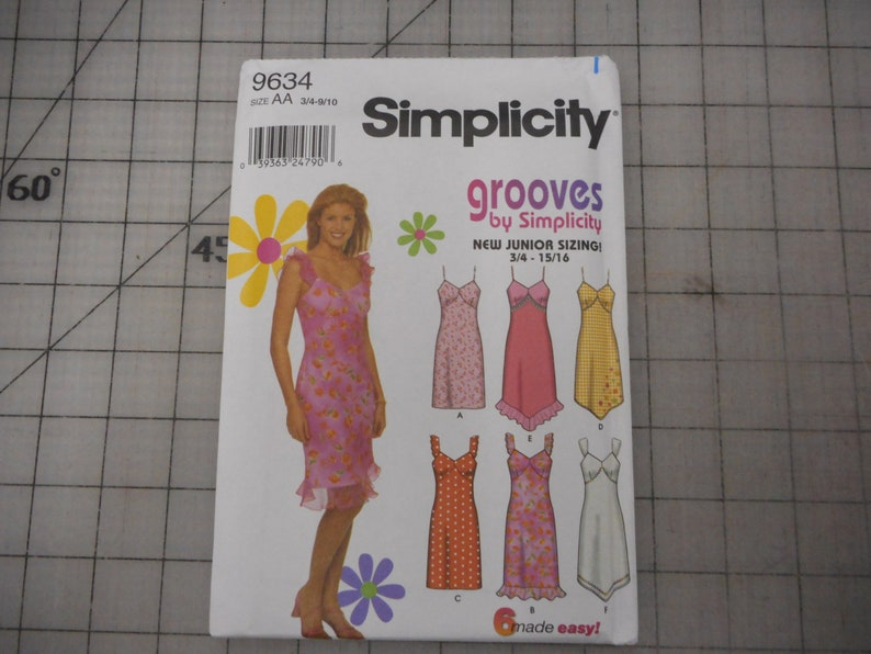 Summer Sundress Sewing Pattern  Unused Simplicity 9634 image 0