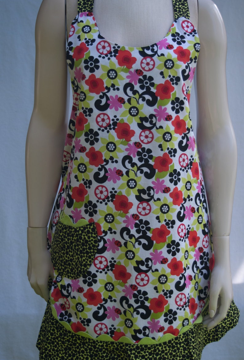 Apron  Flower Power Mod Ruffle With Pocket  One Size Fits image 0