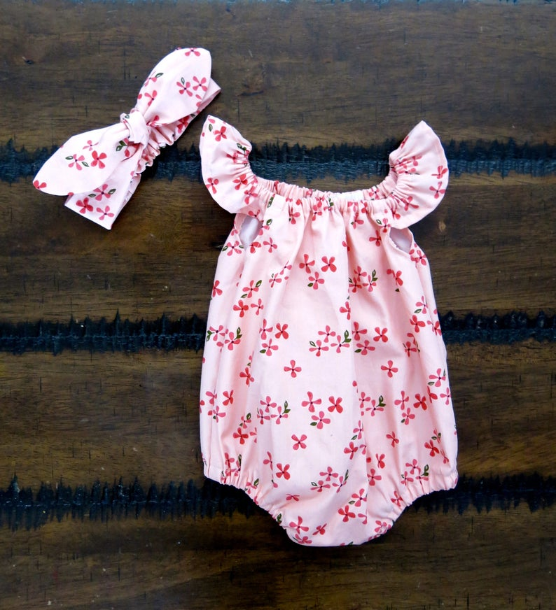 a6513ddae1a1a Baby girl outfit / Flutter sleeve romper / Baby girl playsuit | Etsy
